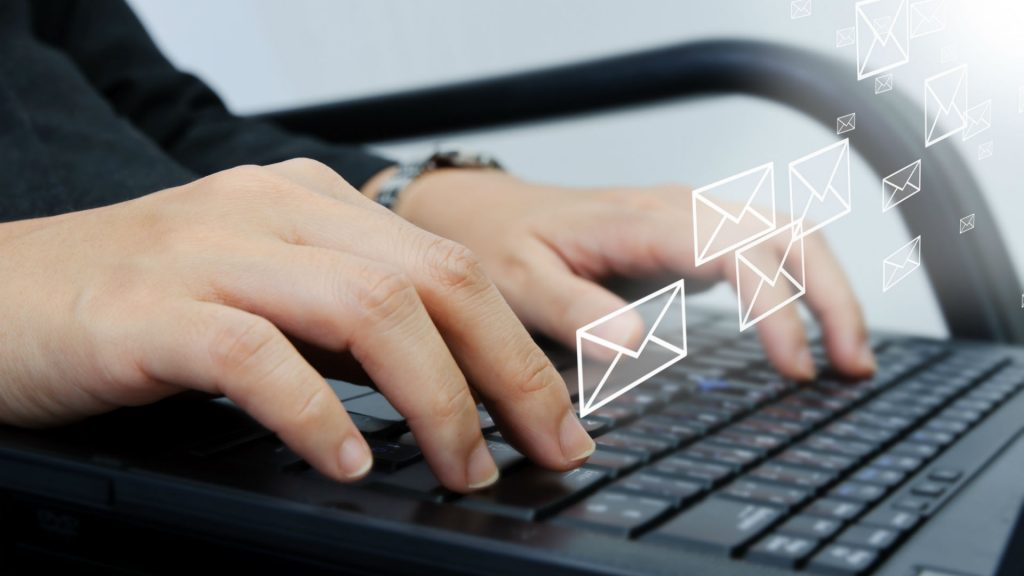 email-computer-type-typing